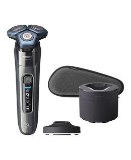 Series 7000 SkinIQ Shaver with Quick Clean Pod